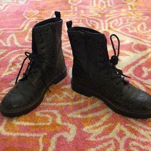 Clearance❤️EUC Vera Wang Princess Combat Boots